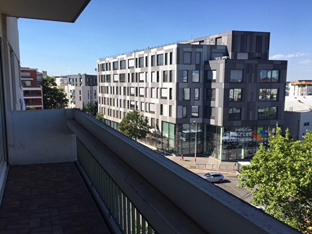 Appartement à louer 2 45.76m2 à Lyon 8 vignette-8