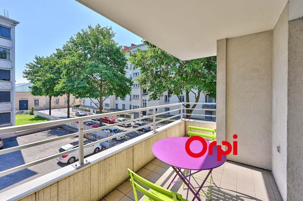 Appartement à vendre 3 71.73m2 à Lyon 3 vignette-2