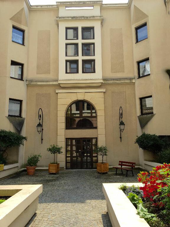 Appartement à louer 2 47.36m2 à Paris 20 vignette-13