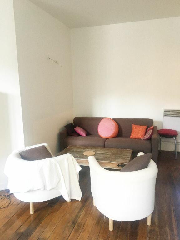 Appartement à louer 2 29.42m2 à Paris 18 vignette-6