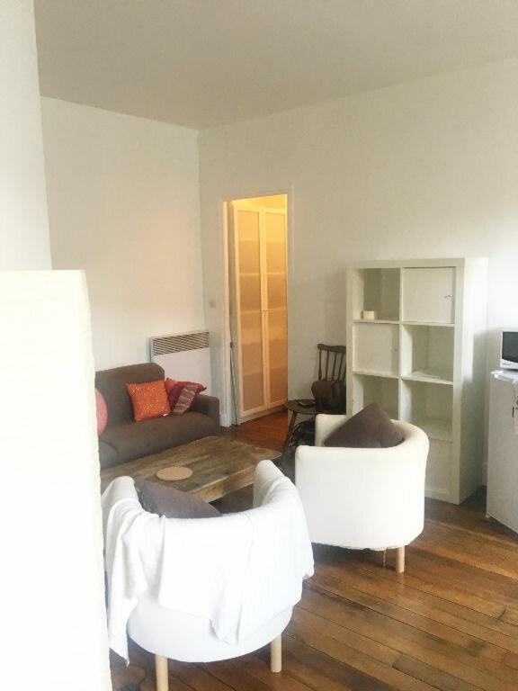 Appartement à louer 2 29.42m2 à Paris 18 vignette-8