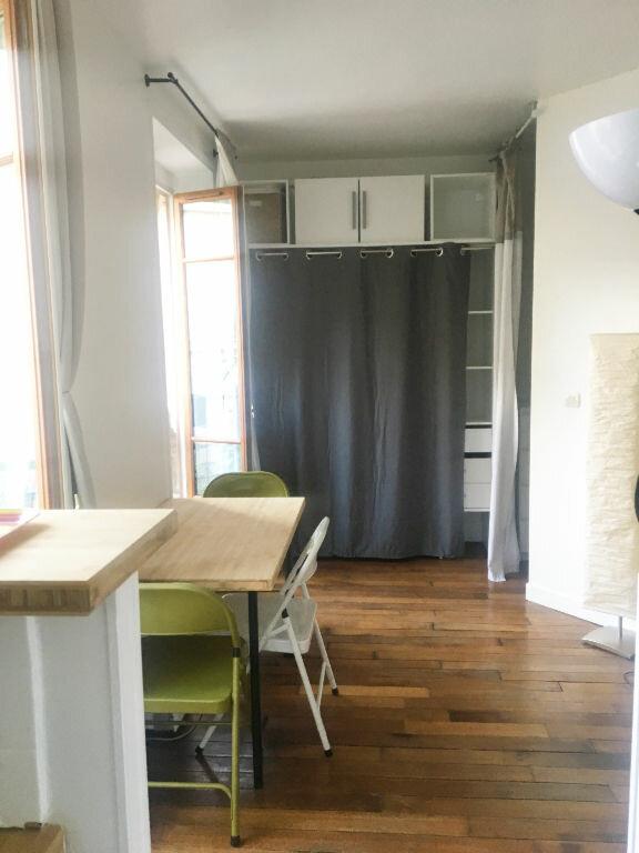 Appartement à louer 2 29.42m2 à Paris 18 vignette-9