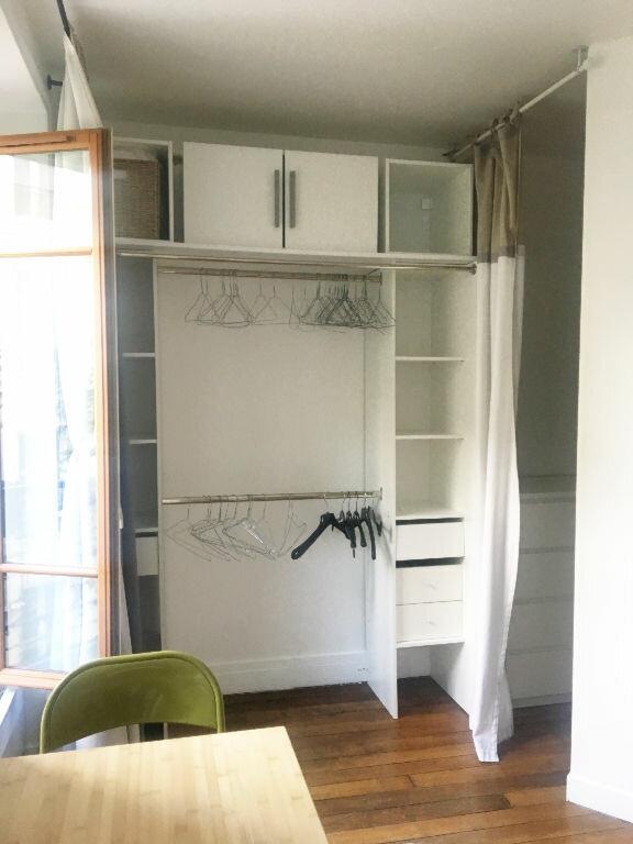 Appartement à louer 2 29.42m2 à Paris 18 vignette-10