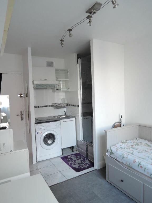 Appartement à louer 1 12.4m2 à Paris 20 vignette-2