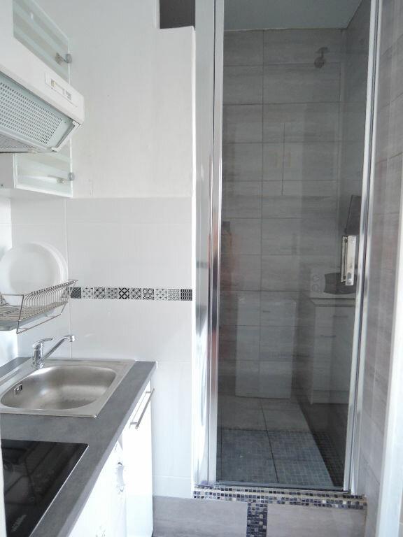 Appartement à louer 1 12.4m2 à Paris 20 vignette-8