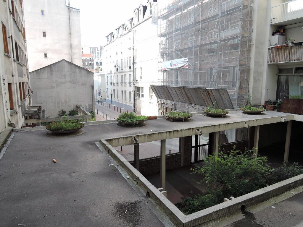 Appartement à louer 1 12.4m2 à Paris 20 vignette-10