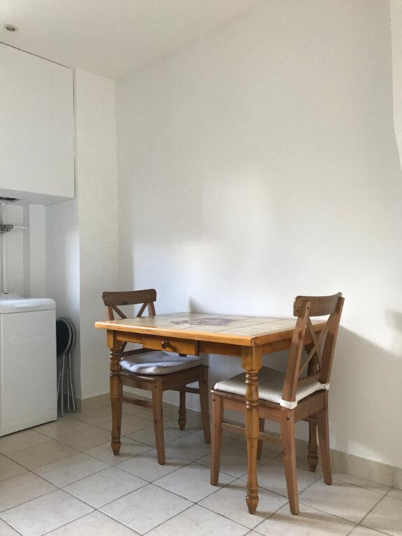 Appartement à louer 1 29.84m2 à Paris 20 vignette-6