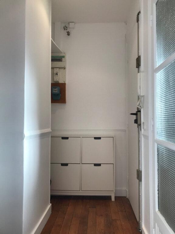 Appartement à louer 1 29.84m2 à Paris 20 vignette-7