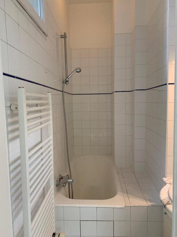 Appartement à louer 3 90.1m2 à Paris 20 vignette-8