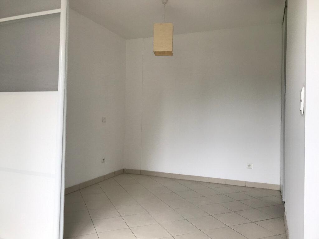 Appartement à louer 2 35m2 à Paris 20 vignette-3