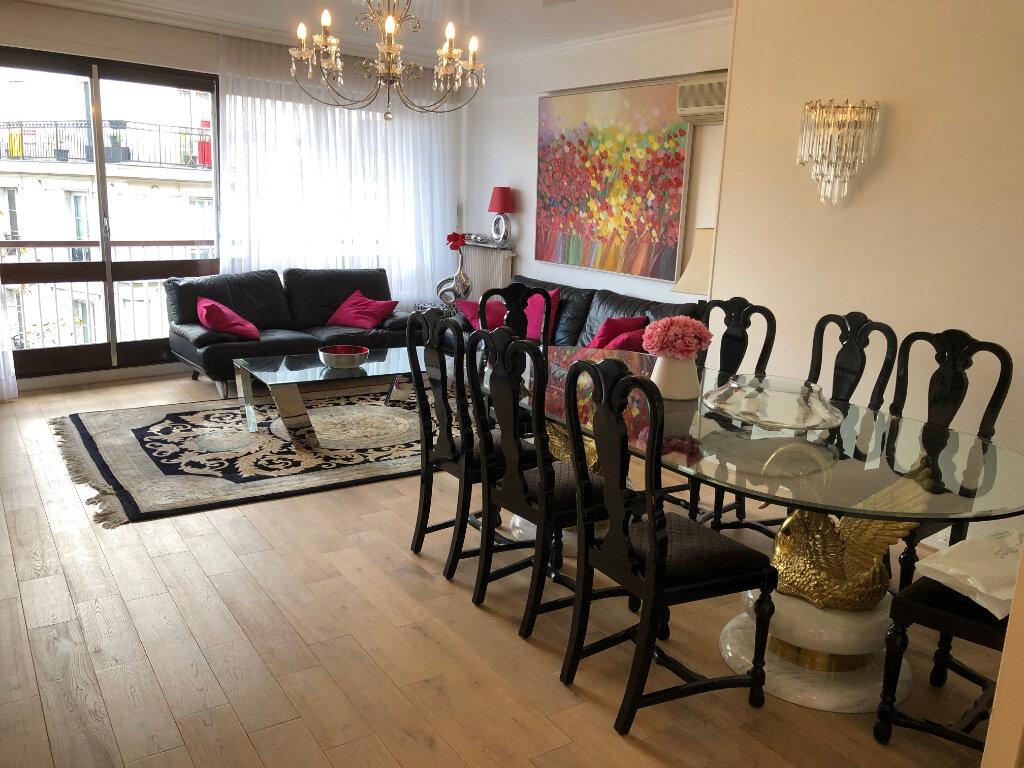 Appartement à vendre 4 115m2 à Paris 11 vignette-2