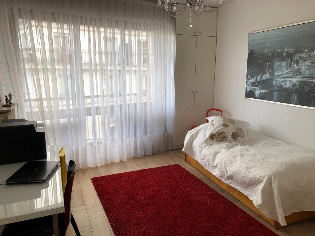 Appartement à vendre 4 115m2 à Paris 11 vignette-5