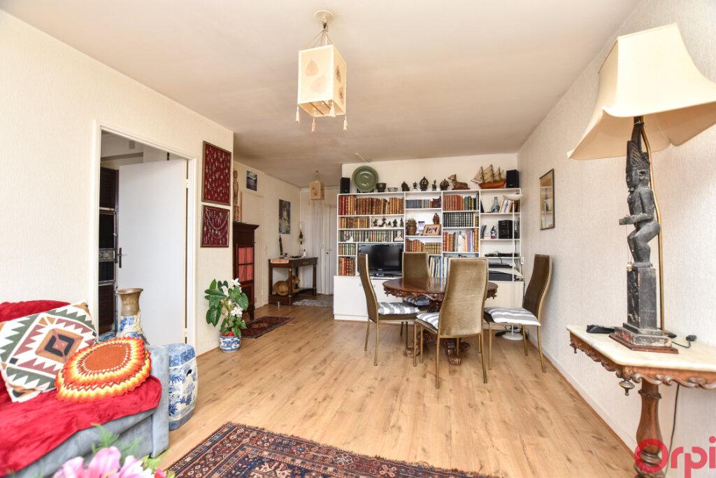 Appartement à vendre 3 66.8m2 à Paris 13 vignette-1
