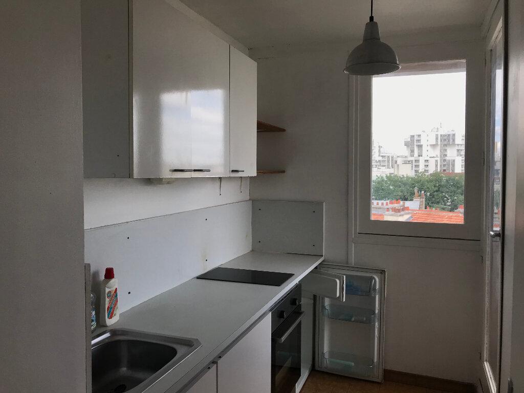 Appartement à louer 1 29m2 à Paris 20 vignette-5