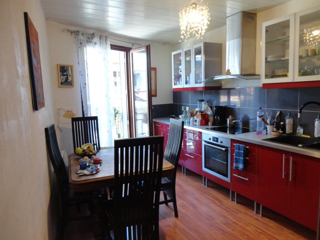 Appartement à vendre 4 62.5m2 à Rumilly vignette-4