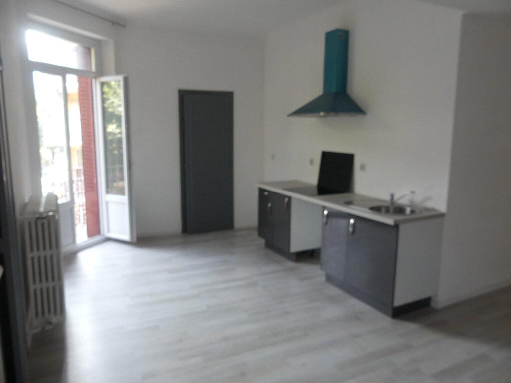 Appartement à vendre 4 85.57m2 à Aix-les-Bains vignette-2