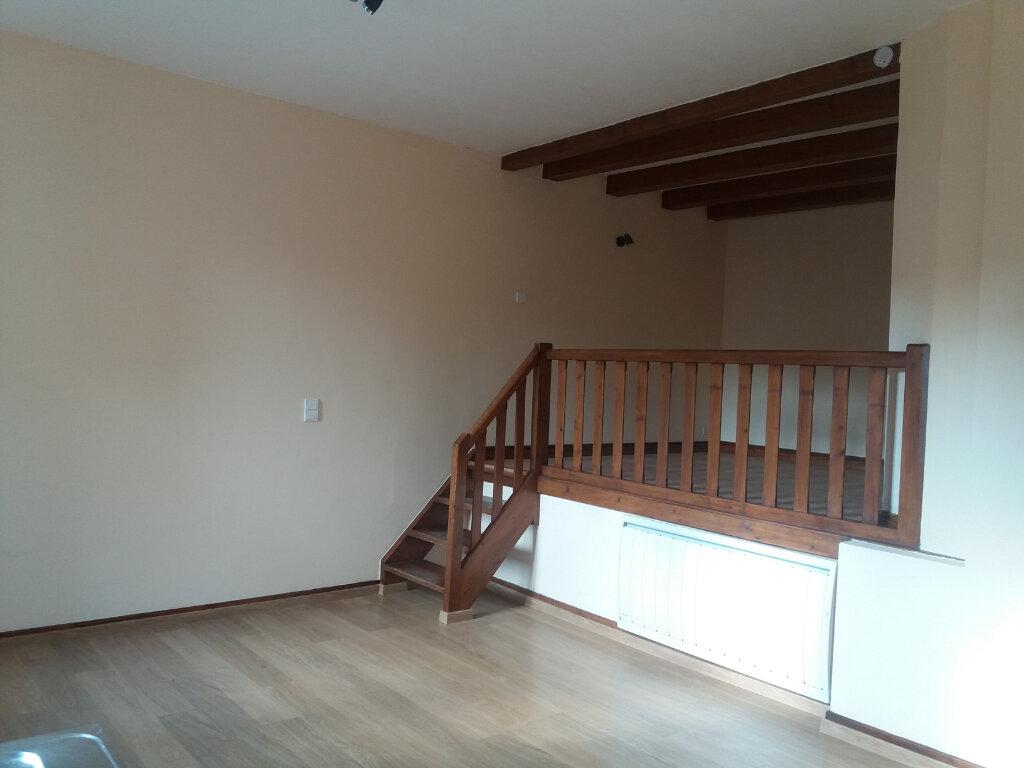 Appartement à louer 2 54.01m2 à Rumilly vignette-1