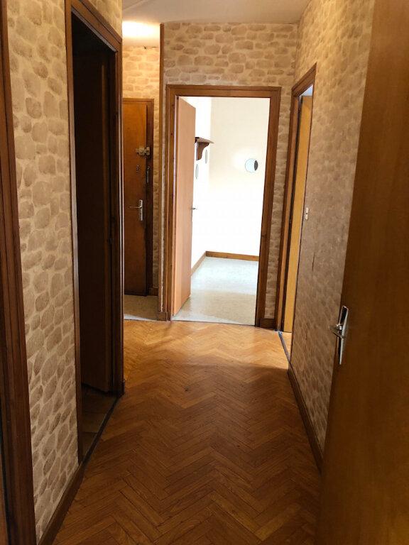 Appartement à louer 2 54.01m2 à Rumilly vignette-3