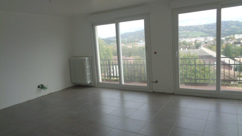 Appartement à louer 4 85m2 à Rumilly vignette-2