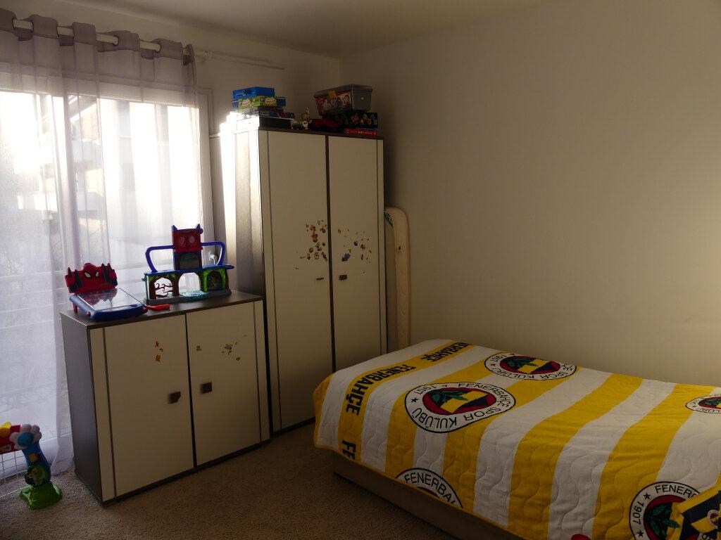 Appartement à louer 4 82m2 à Rumilly vignette-3