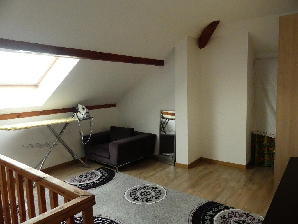 Appartement à louer 4 82m2 à Rumilly vignette-4
