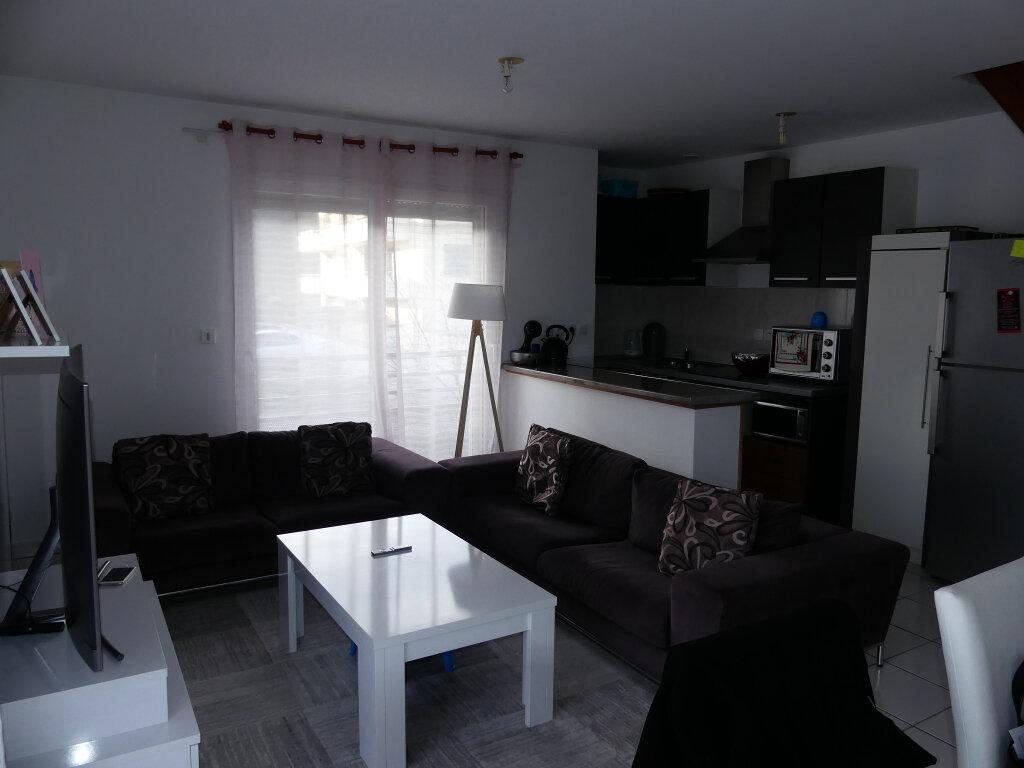 Appartement à louer 4 82m2 à Rumilly vignette-5