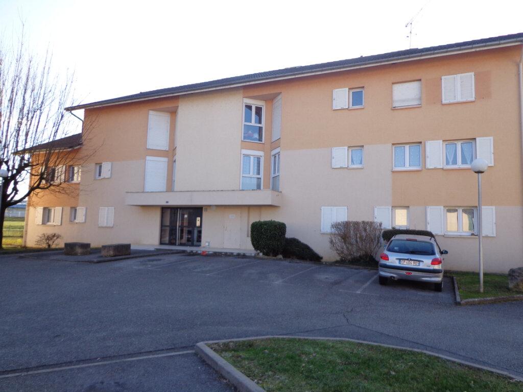 Appartement à louer 4 0m2 à Rumilly vignette-1