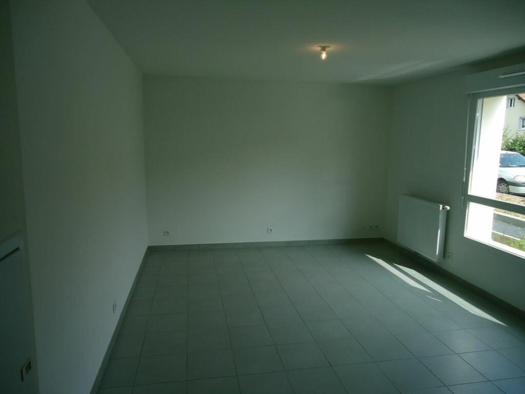 Appartement à louer 1 30m2 à Rumilly vignette-2