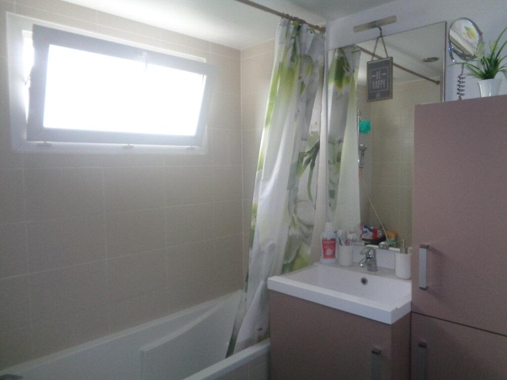 Appartement à louer 1 30m2 à Rumilly vignette-3