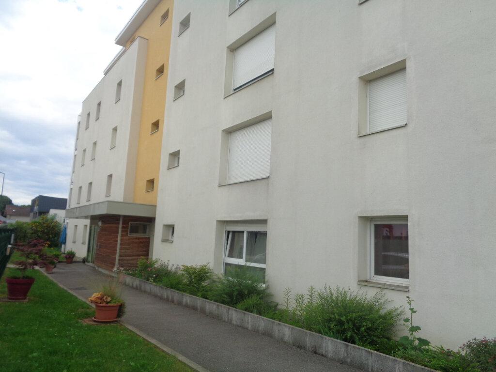 Appartement à louer 1 30m2 à Rumilly vignette-4