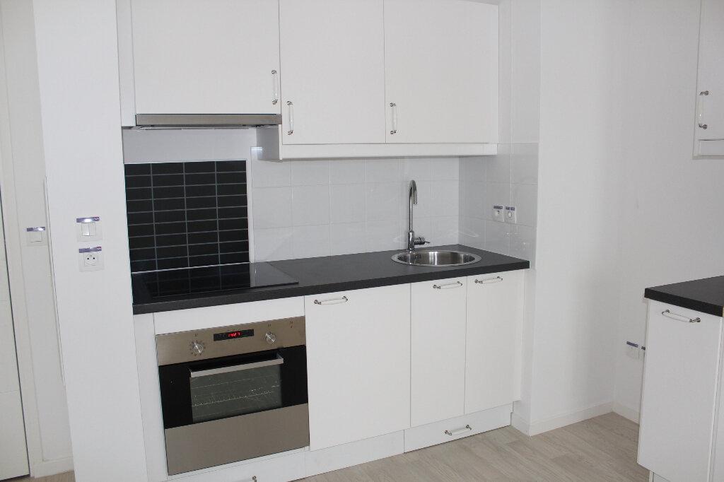 Appartement à louer 3 53.4m2 à Vernouillet vignette-2