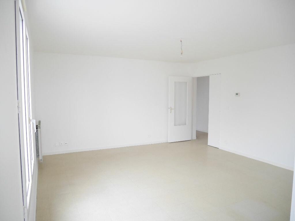Appartement à louer 4 81.18m2 à Vernouillet vignette-2