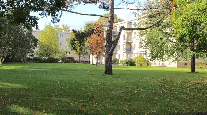 Appartement à vendre 3 53.37m2 à Saint-Germain-en-Laye vignette-1