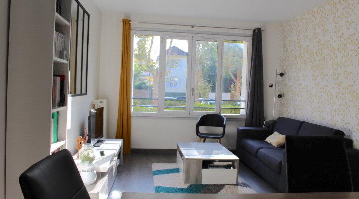Appartement à vendre 3 53.37m2 à Saint-Germain-en-Laye vignette-2