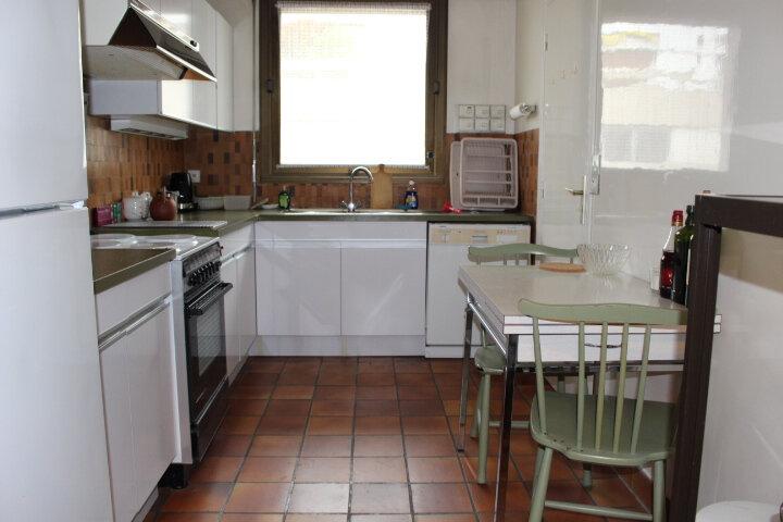Appartement à louer 5 140m2 à Saint-Germain-en-Laye vignette-5