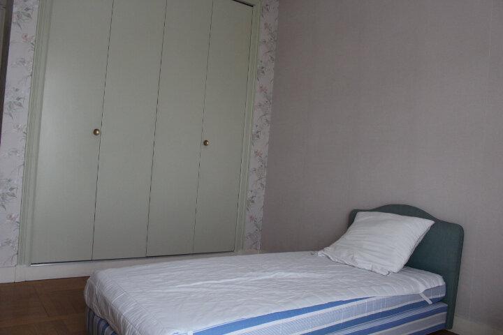 Appartement à louer 5 140m2 à Saint-Germain-en-Laye vignette-9