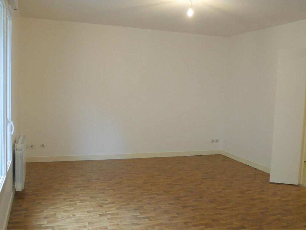 Appartement à louer 4 73.5m2 à Ecquevilly vignette-3