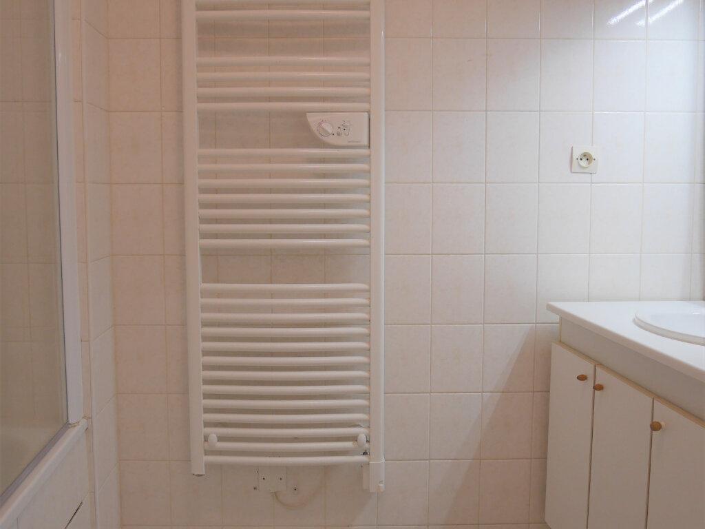Appartement à louer 4 73.5m2 à Ecquevilly vignette-9