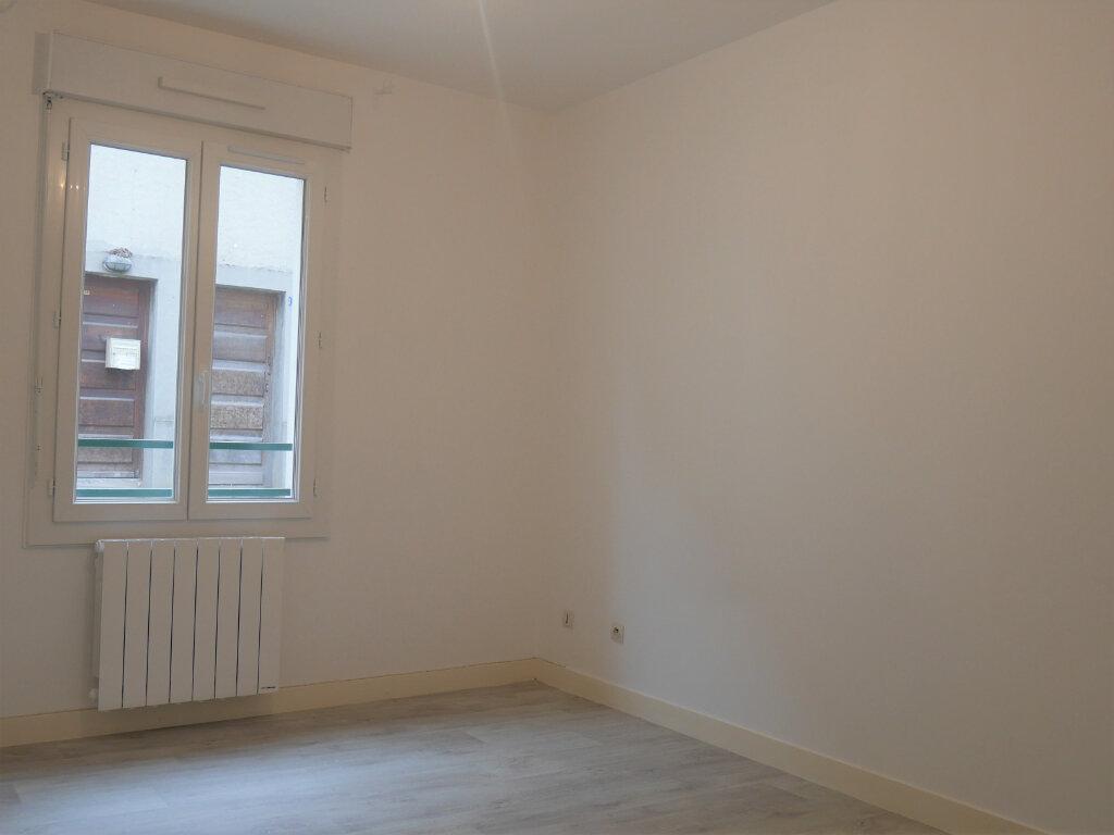 Appartement à louer 4 73.5m2 à Ecquevilly vignette-10