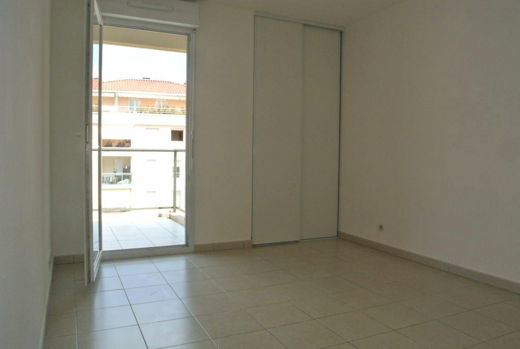 Appartement à louer 2 41.67m2 à Cannes vignette-4