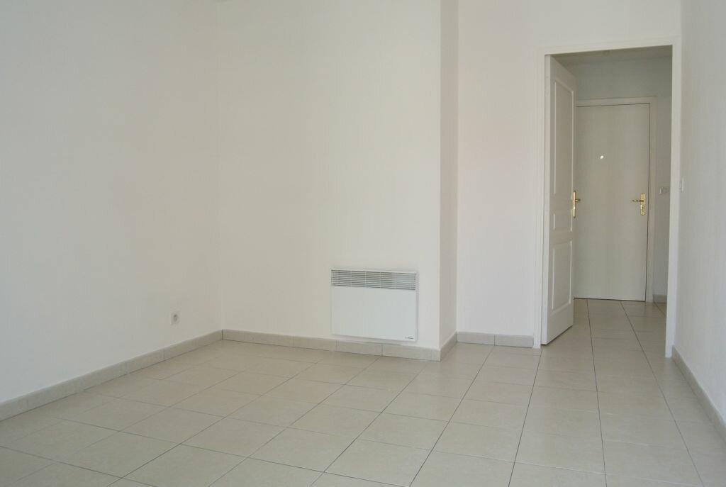 Appartement à louer 2 41.67m2 à Cannes vignette-9