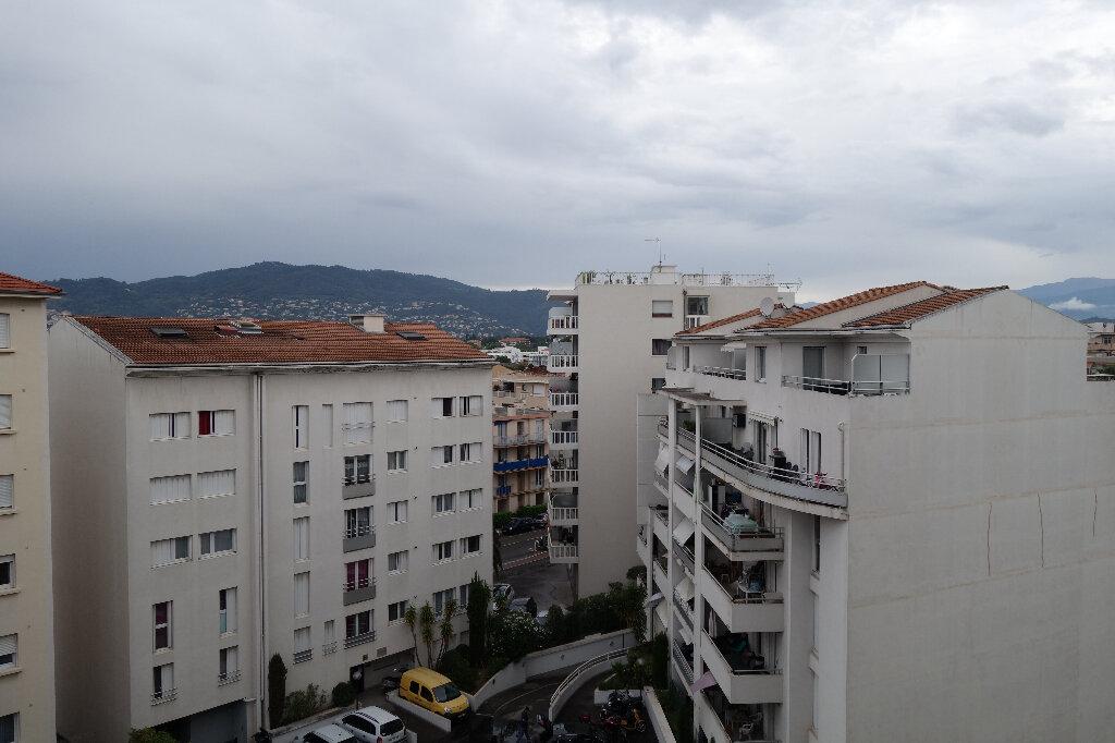 Appartement à louer 1 30.95m2 à Cannes vignette-8
