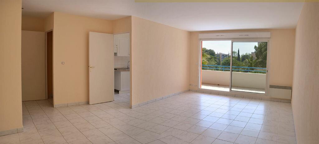 Appartement à louer 2 58.08m2 à Cannes vignette-1