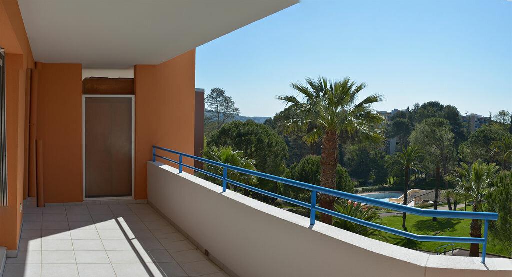 Appartement à louer 2 58.08m2 à Cannes vignette-3