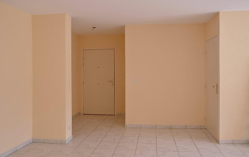 Appartement à louer 2 58.08m2 à Cannes vignette-6