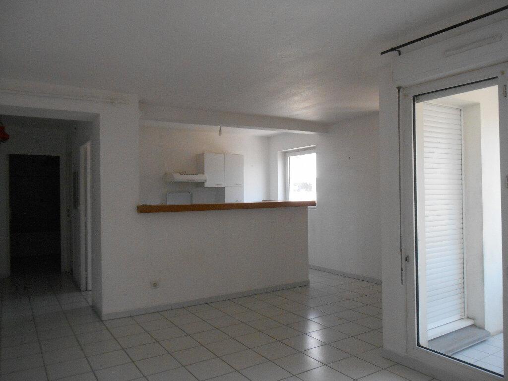 Appartement à louer 2 55.28m2 à Cannes vignette-3