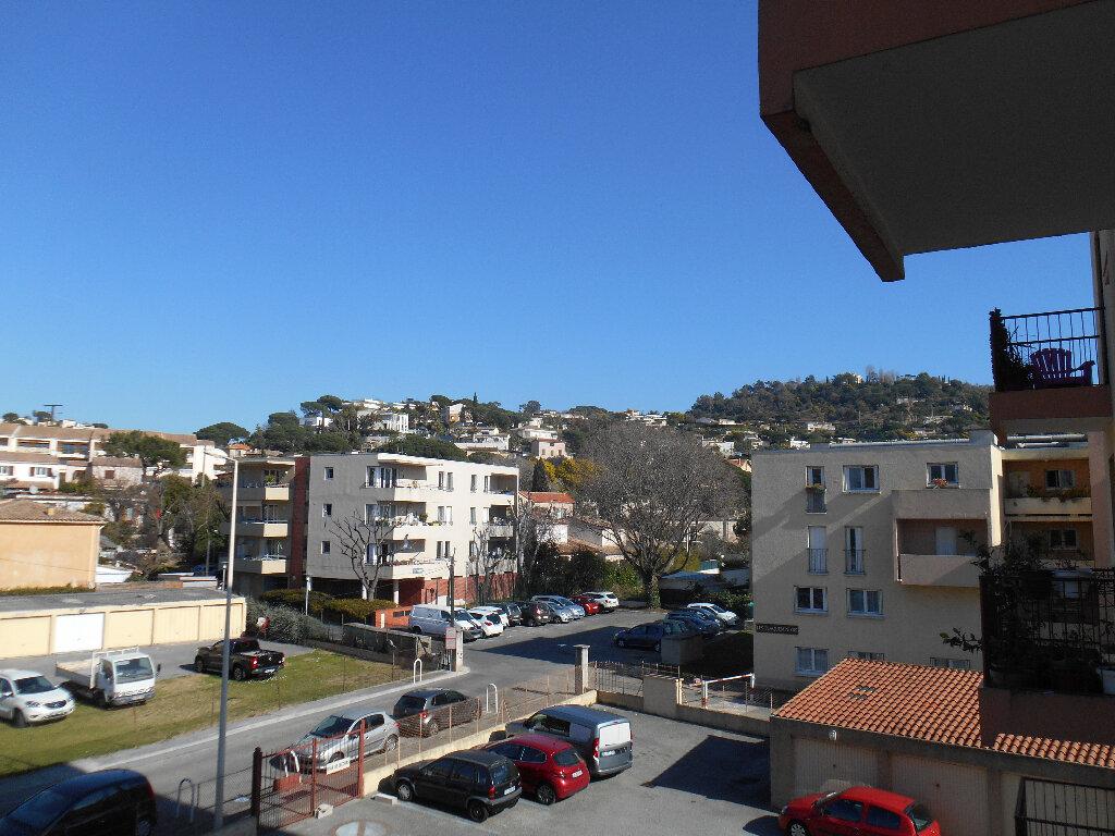 Appartement à louer 3 55.11m2 à Cannes vignette-4