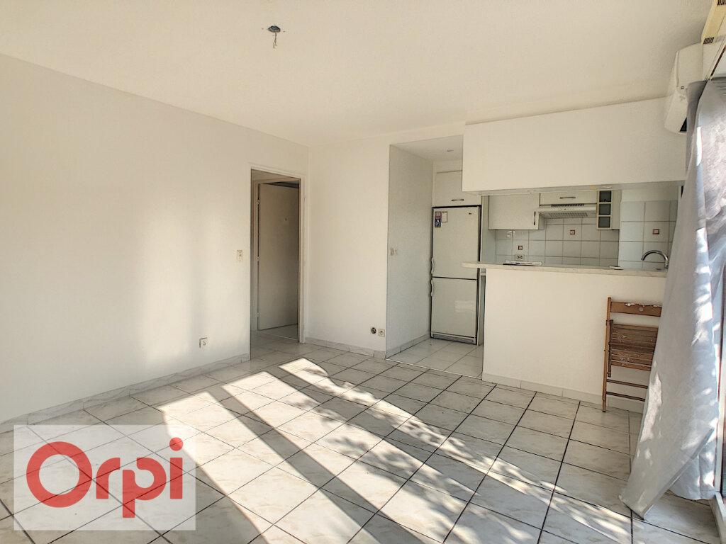 Appartement à louer 1 26.94m2 à Le Cannet vignette-2