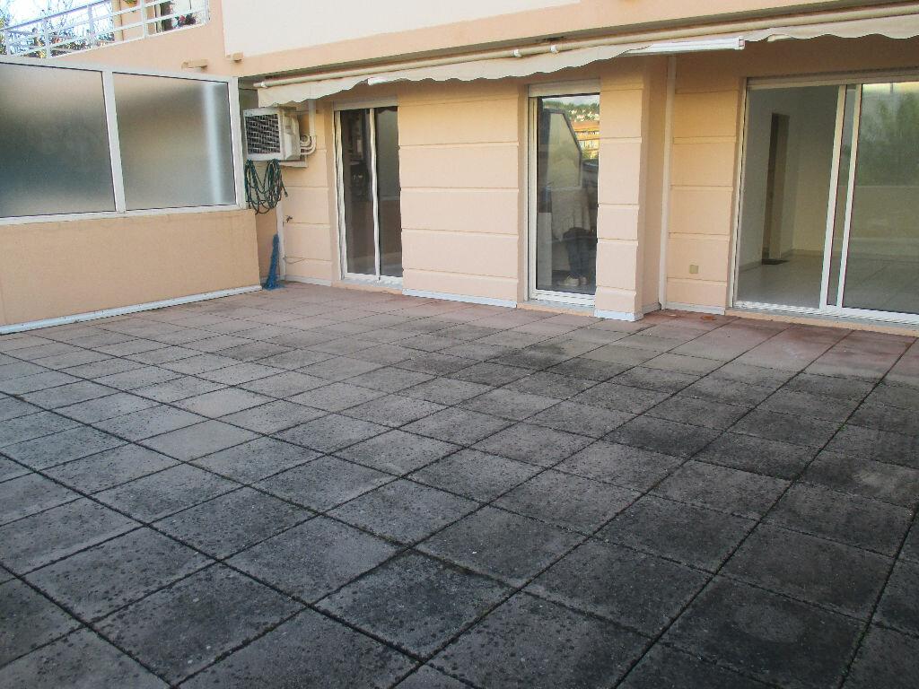 Appartement à louer 2 40.1m2 à Vallauris vignette-1
