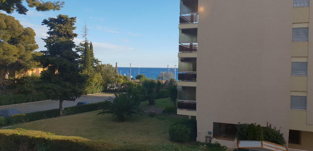 Appartement à louer 1 31m2 à Cannes vignette-1